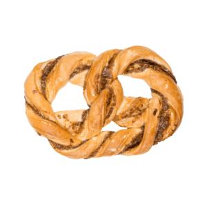 Unsere Nussbreze ist ein süßer Genuss, der richtig lecker schmeckt.