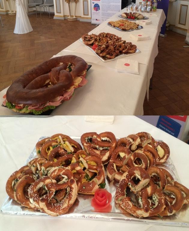 Ein Beispiel für unser Catering mit Maxibreze und vielen normalen Brezen.